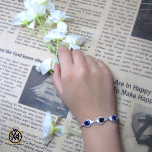 دستبند یاقوت کبود زنانه طرح نسیم – کد ۱۰۰۸