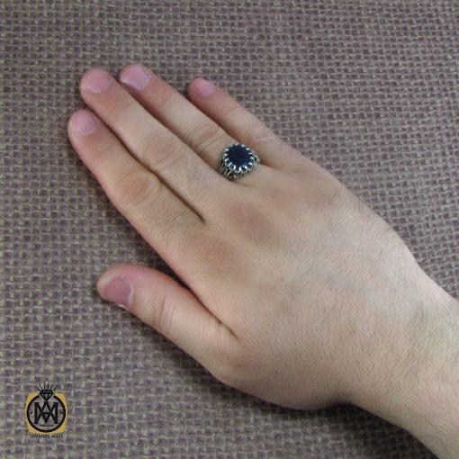 انگشتر نقره مردانه با نگین یاقوت کبود – کد ۸۱۷۹