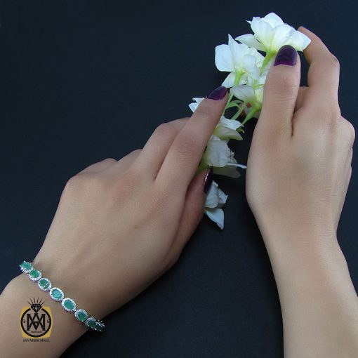 دستبند زمرد زنانه طرح آرامش – کد ۱۰۲۸