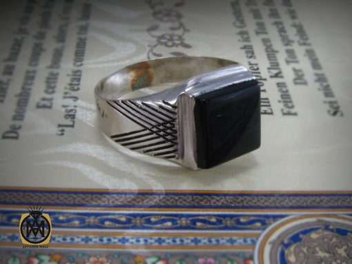 انگشتر عقیق سیاه مردانه – کد ۸۳۳۳