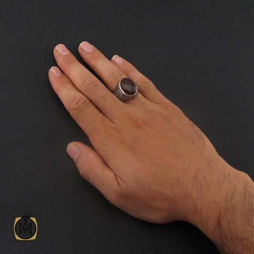 انگشتر عقیق یمن مردانه با رکاب قلم زنی هنر دست استاد هشتم – کد ۸۷۲۲