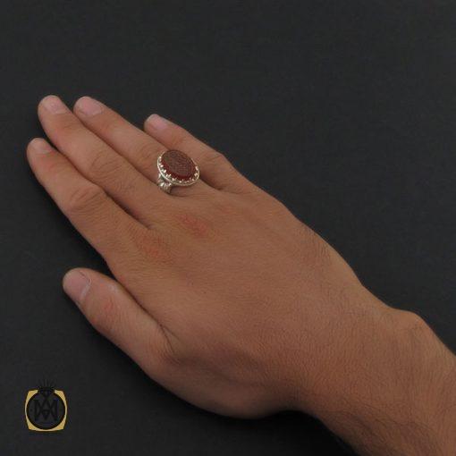 انگشتر عقیق قرمز مردانه با حکاکی ومن یتق الله - کد 8627 - 5 46 510x510