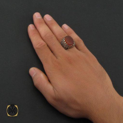 انگشتر عقیق قرمز مردانه با حکاکی ومن یتق الله - کد 8649 - 5 67 510x510