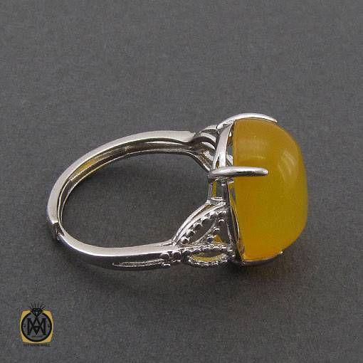 انگشتر عقیق زرد با حکاکی شرف الشمس مدل پرتو زنانه – کد ۲۳۶۴