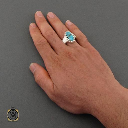 انگشتر فیروزه نیشابوری خوش نقش مردانه دست ساز – کد ۱۱۰۱۳