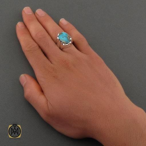 انگشتر فیروزه نیشابوری خوش رنگ مردانه دست ساز – کد ۱۱۰۰۰