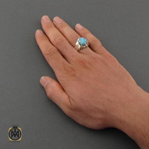 انگشتر فیروزه نیشابوری خوش طبع و خوش نقش مردانه دست ساز – کد ۱۱۰۲۹